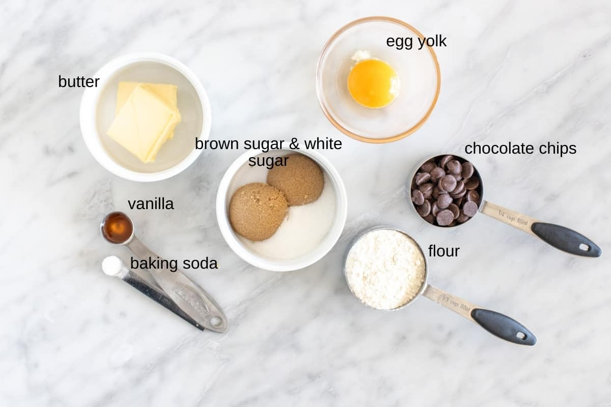 Ingredients to make 1 chocolate chip cookie