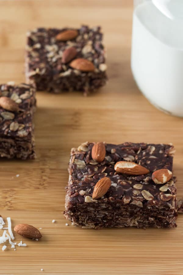 Almonds, coconut & chocolate come together in these delicious Almond Joy Granola Bars. Wholesome ingredients, gluten-free, vegan, super easy and totally addictive!
