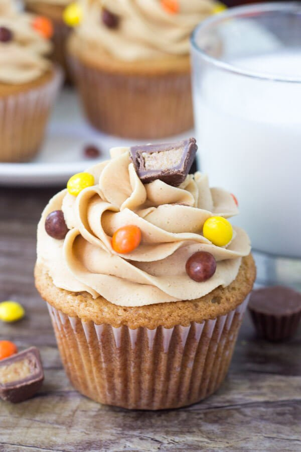 Fluffy, moist peanut butter cupcakes topped with creamy peanut butter frosting.