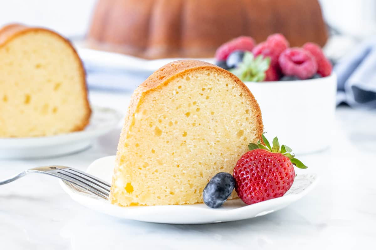 Slice of pound cake with berries