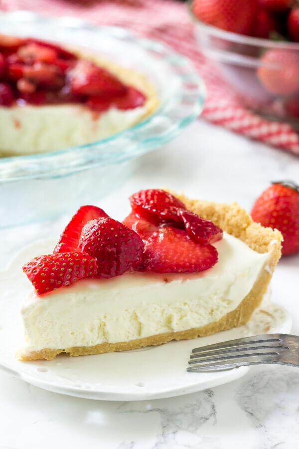 Strawberry Cream Cheese Pie is an easy, summer pie recipe