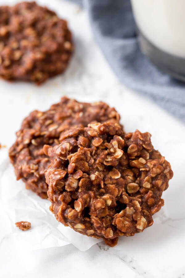 No bake cookies - soft, chewy, & made with oats, cocoa & peanut butter.
