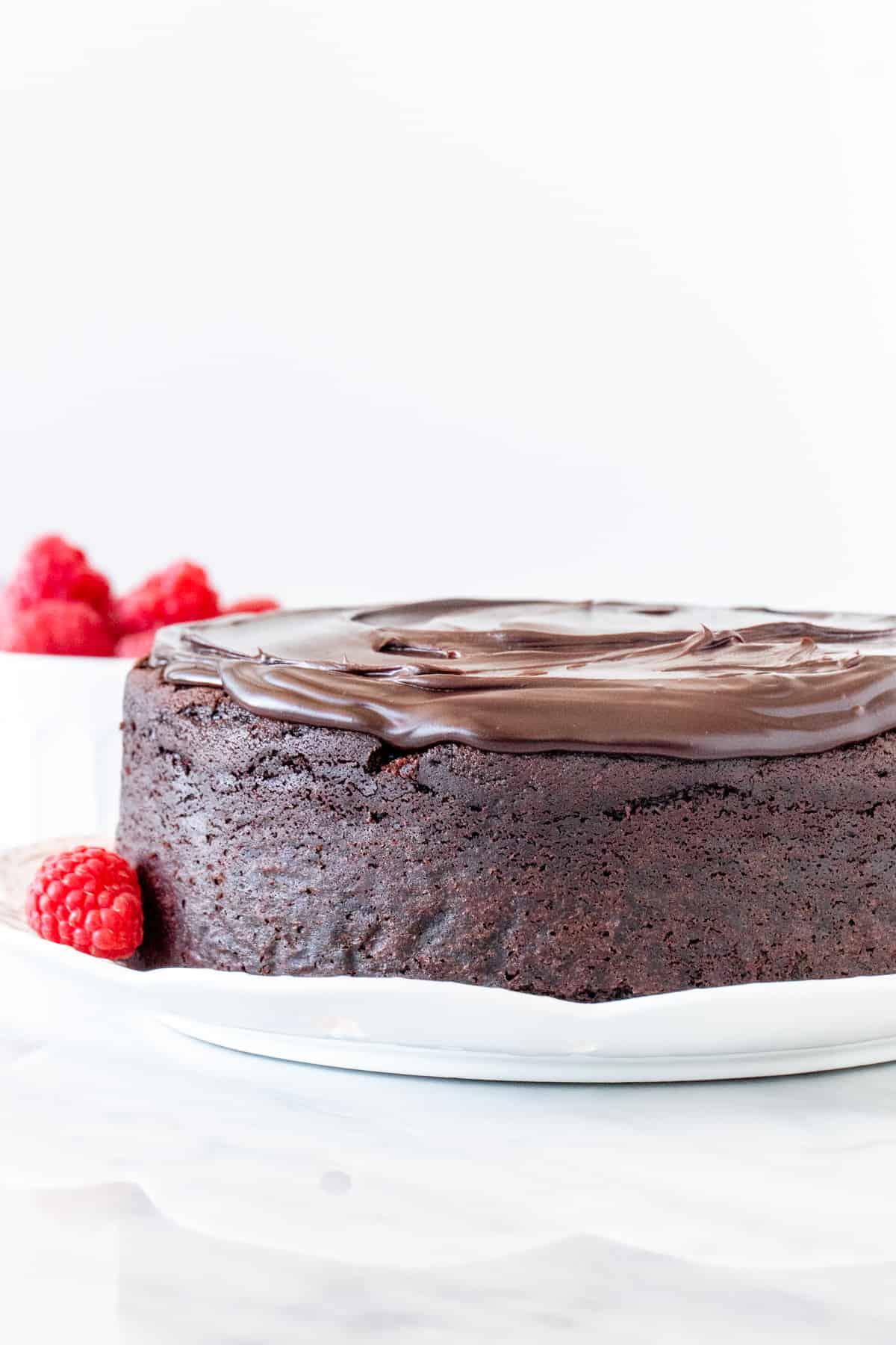 Single layer chocolate cake with chocolate ganache on top